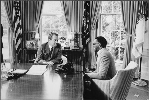 lossy-page1-1200px-Nixon_meeting_with_Ray_Charles_in_the_oval_office_-_NARA_-_194452.tif