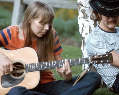 Per Crosby Joni Mitchell è la più grande autrice di canzoni
