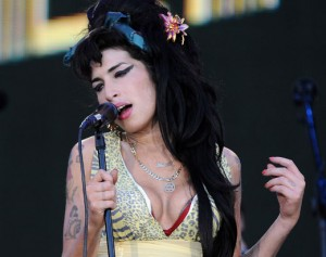 amy-winehouse-singing-getty
