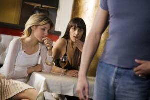090603-women-flirt-02