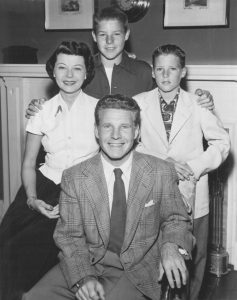 "Ozzie, Harriet, David, Ricky in 1952 Could The Adventures of Ozzie and Harriet have really been like that? Could the show have lasted all those years - some 22 seasons from its debut in 1944 on radio to its cancellation - offering nothing more relevant than programs titled ""David Has a Date with Miss Universe"" and ""A Picture in Rick's Notebook""?"
