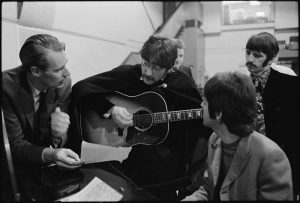 george-martin-with-the-beatles-members-6