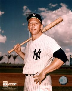 mickey-mantle-6-posed-with-bat2