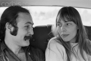February 1969, California, USA --- Musicians David Crosby and Joni Mitchell travel to Big Bear Lake. --- Image by © Henry Diltz/Corbis